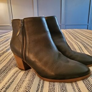 Black leather boots size 10